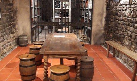 Pose de dallage en pierre et terre cuite dans une maison ancienne Mâcon